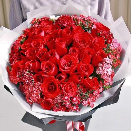 结婚纪念日送什么花